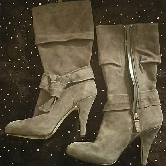 Joan & David Shoes - Gray Suede Boots Size 6M